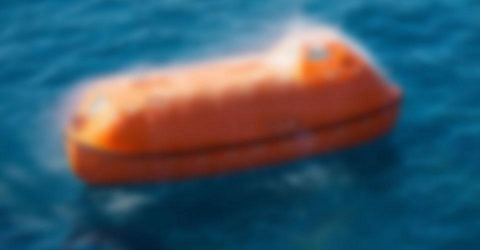 Lifeboat, davit